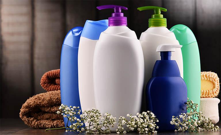 Gợi ý 7 sữa tắm trị dày sừng nang lông an toàn và hiệu quả