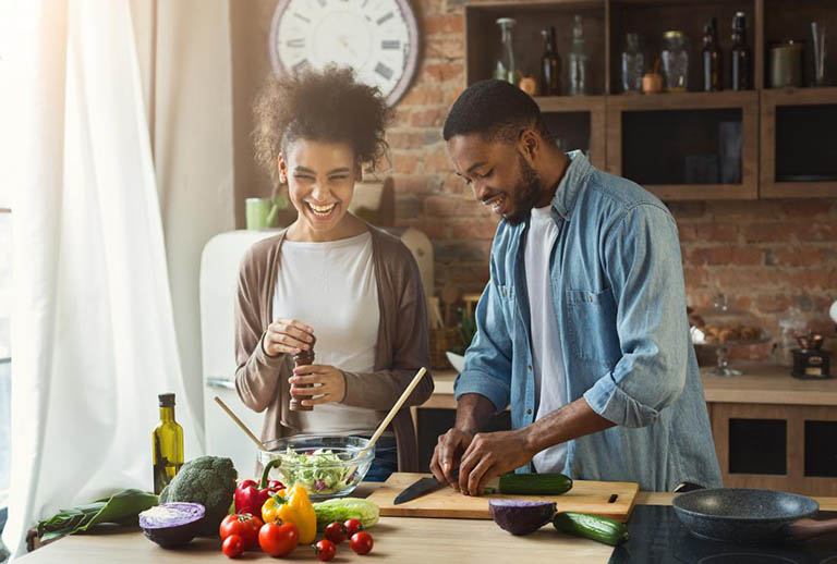 Sinh hoạt điều độ và bổ sung đủ chất dinh dưỡng