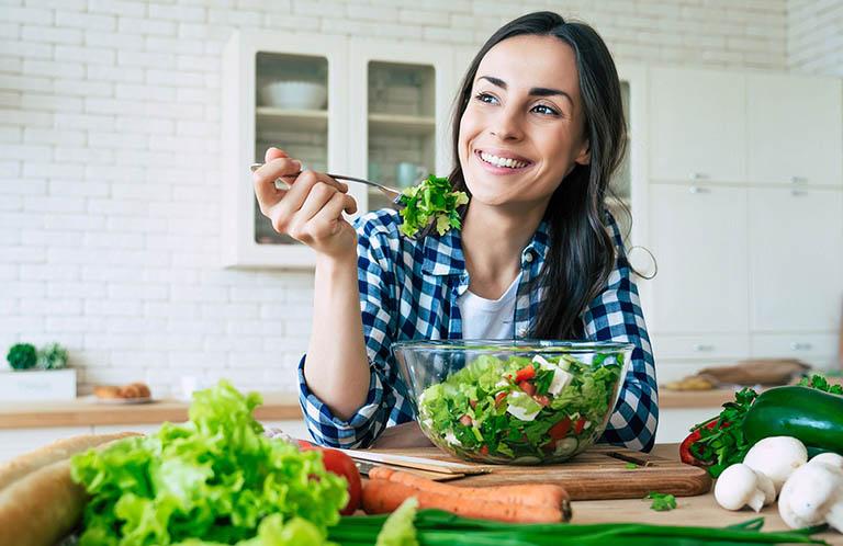 Tăng cường vận động và ăn uống đủ chất