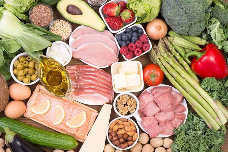 Ăn uống điều độ và đầy đủ chất dinh dưỡng