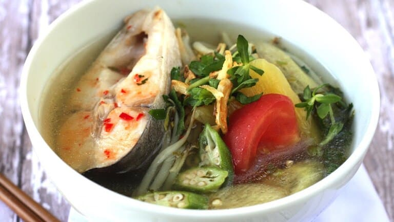 Canh cá món ăn bổ dưỡng cho sức khỏe khi được nấu với trùng thảo tươi