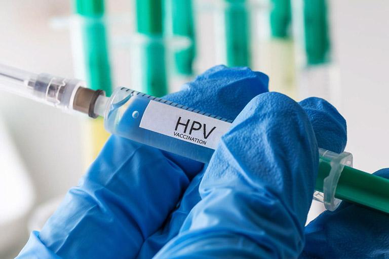 Độ tuổi nào chích ngừa vắc xin HPV phòng ung thư cổ tử cung là từ khóa mà nhiều chị em phụ nữ đang tìm kiếm