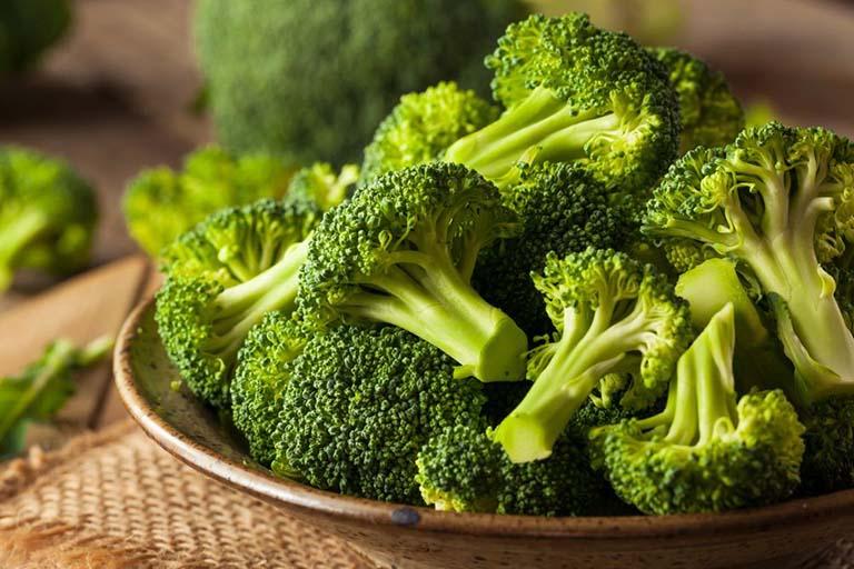 Súp lơ xanh là nguồn thực phẩm có hàm lượng vitamin K cao rất tốt cho sức khỏe của người bệnh
