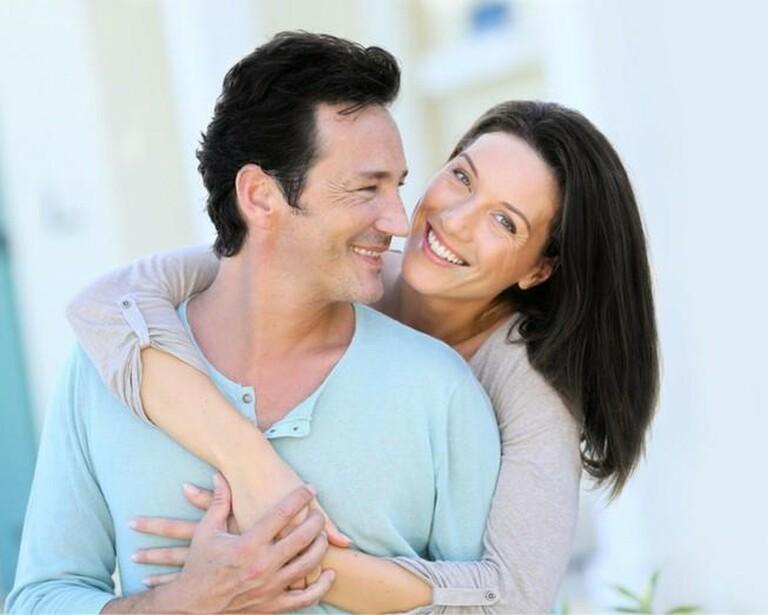 Nam giới và nữ giới ở độ tuổi trung niên nên sử dụng đông trùng hạ thảo để cải thiện tình trạng lão hóa và tăng cường chức năng sinh lý