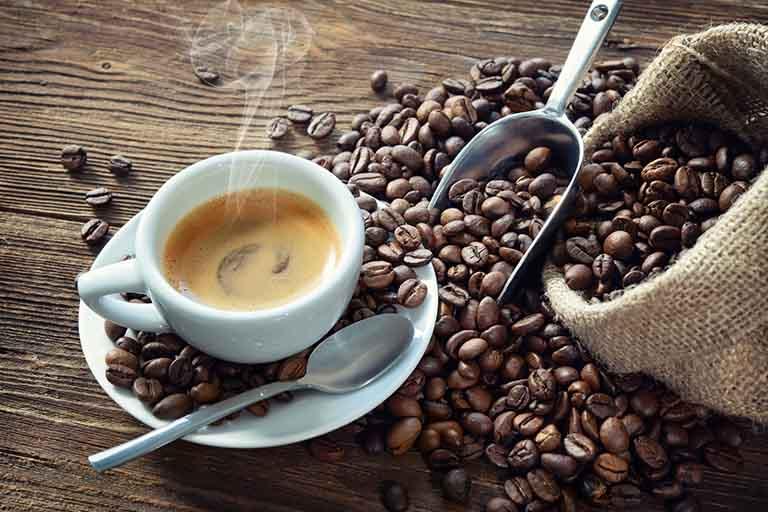 Phụ nữ bị u xơ tử cung nên loại bỏ thói quen uống cà phê mỗi ngày nếu không mong muốn bệnh trở nặng