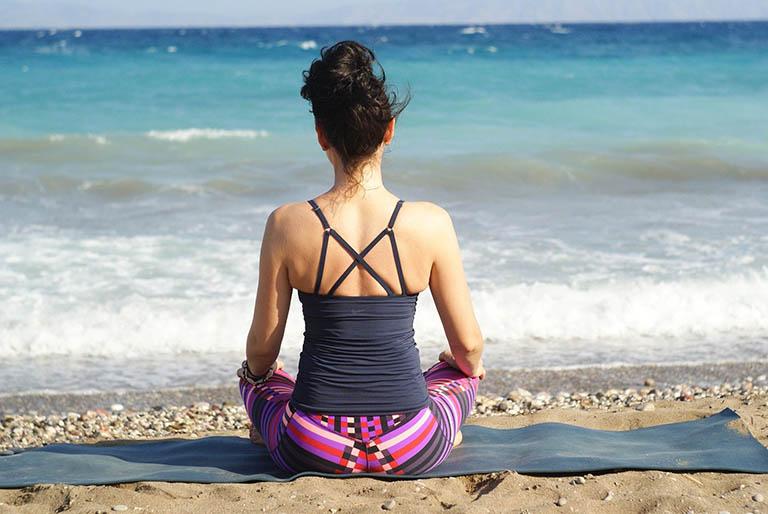 Tập thói quen vận động cơ thể bằng cách bài tập thể dục hay tham gia một số bộ môn vừa sức để nâng cao sức khỏe cũng như phòng bệnh u xơ tử cung