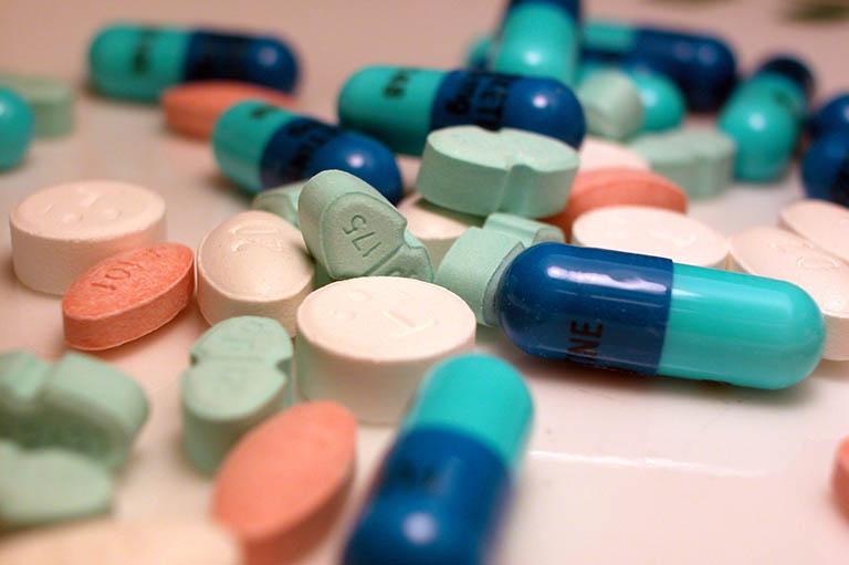 Sử dụng thuốc kháng sinh toàn thân