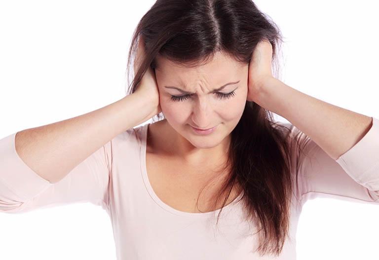 Viêm ống tai ngoài có mủ nguy hiểm không? Cách điều trị
