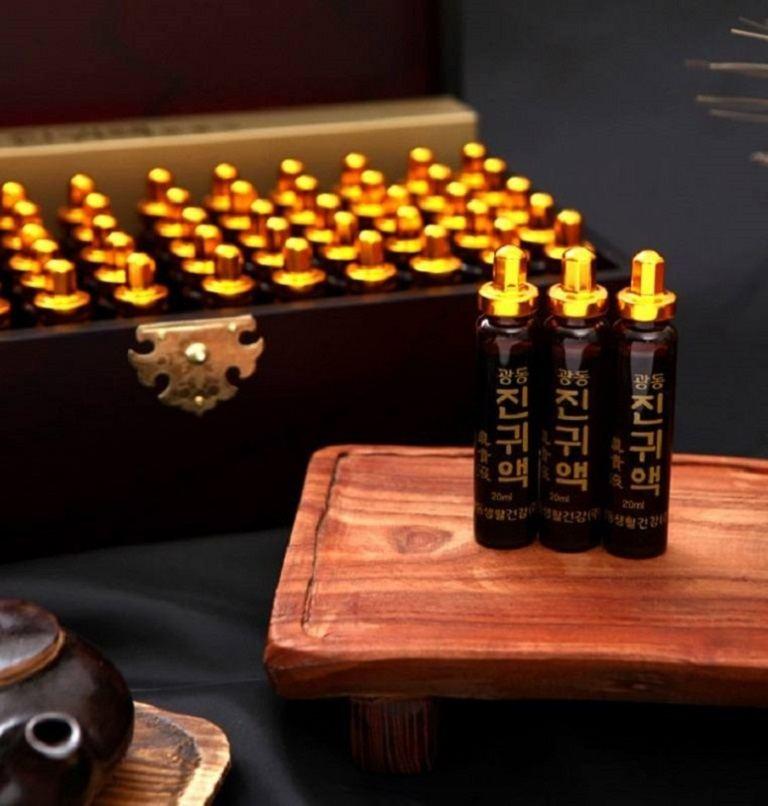 Tinh chất trùng thảo hộp gỗ KangHwa 60 ống là sản phẩm nổi tiếng Hàn Quốc