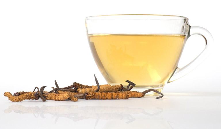 Trà trùng thảo có hương vị thơm ngon, dễ uống