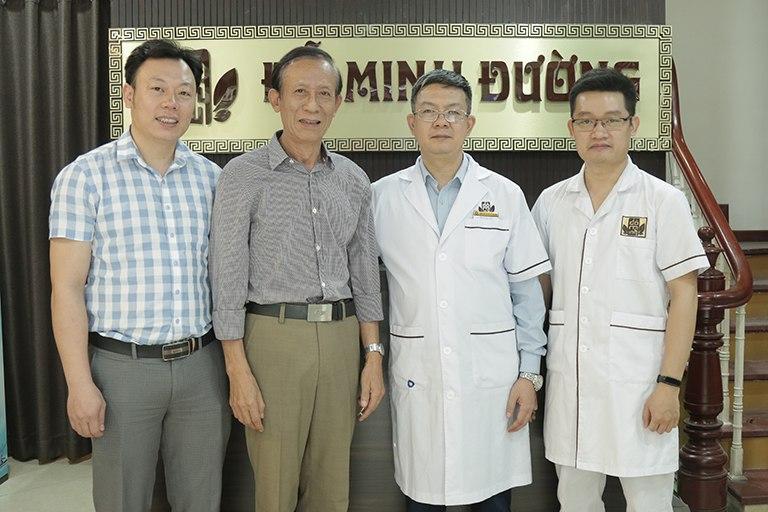 Nghệ sĩ Văn Báu gửi lời cảm ơn tới đội ngũ Bác sĩ nhà thuốc Đỗ Minh Đường