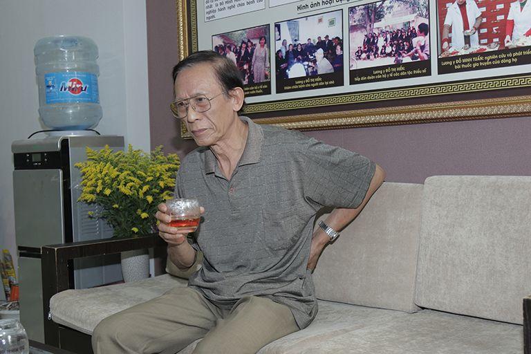 NSƯT Văn Báu mắc thoát vị đĩa đệm từ cuối năm 2019