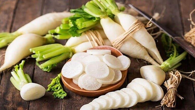 Không nên chế biến đông trùng cùng với củ cải, một số hoạt chất xung khắc, không tốt cho sức khỏe.