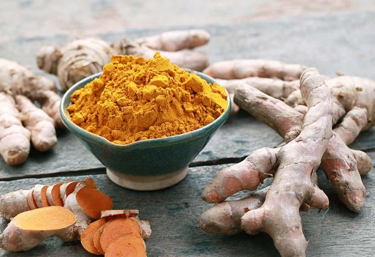 Nghệ vàng là một trong những vị thuốc nam được đánh giá với công dụng trị bệnh viêm đại tràng