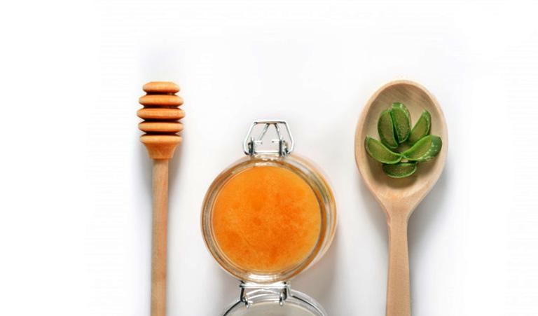 Nha đam và mật ong là sự kết hợp hoàn hào vừa có tác dụng hỗ trợ điều trị viêm đại tràng vừa giúp nâng cao sức khỏe, cải thiện hệ miễn dịch