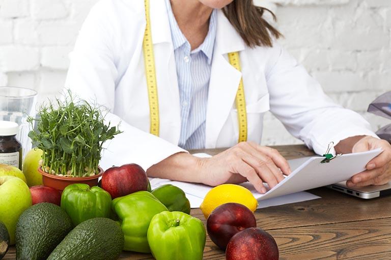 Bị viêm đại tràng nên ăn gì và kiêng gì để mau khỏi bệnh là thắc mắc của không ít người đang mắc phải