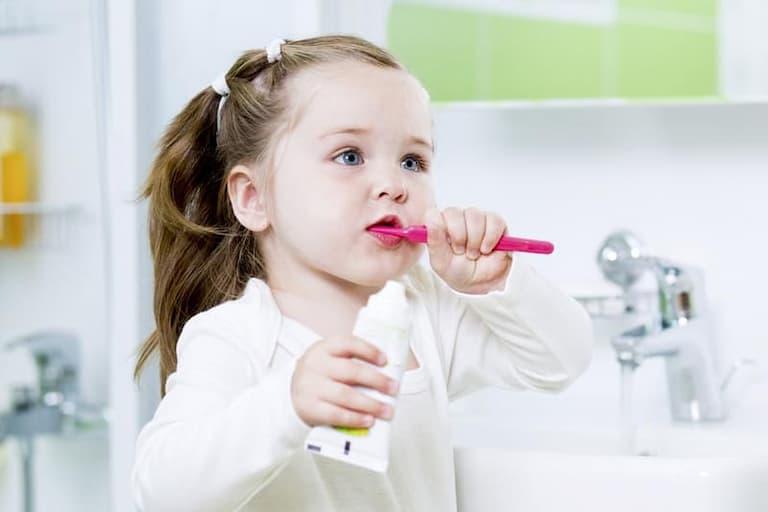 Sức khỏe trẻ em luôn cần được chăm chút, đặc biệt là sức khỏe răng miệng