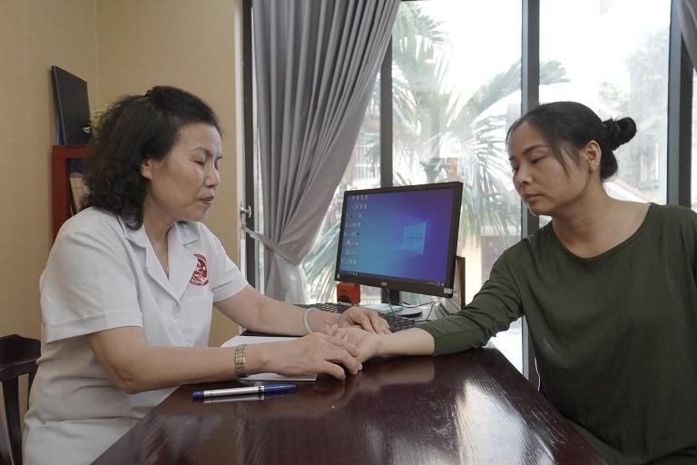 Chị Lê Thu Hương đến Nhất Nam Y Viện khám bệnh