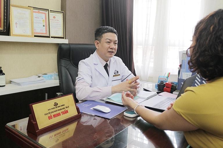 Nhà thuốc Đỗ Minh Đường đón tiếp hàng trăm bệnh nhân dị ứng thời tiết lạnh đến thăm khám mỗi ngày